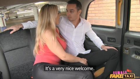 Lesbiche Taxi Fake Female